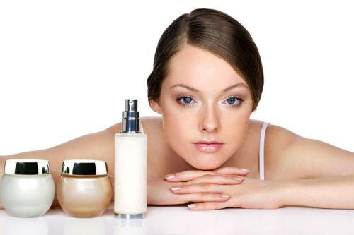 Чем отличается профессиональная косметика по уходу за кожей от аптечной и масс-маркета?